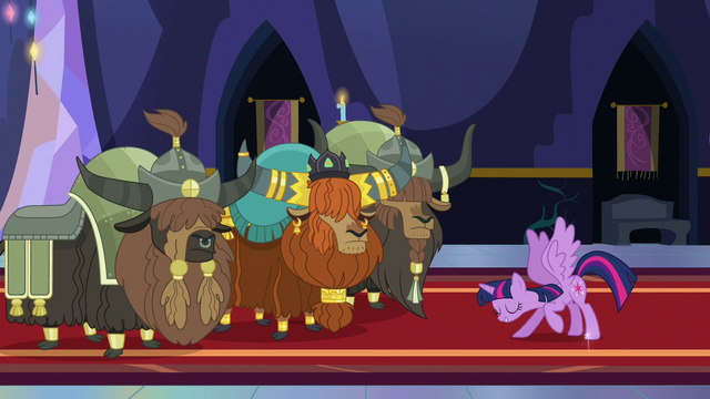 File:Twilight bows to Prince Rutherford S5E11.png
