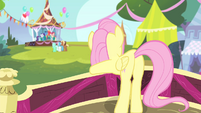 Fluttershy moving her body S4E14