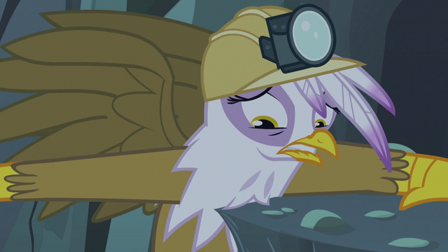 File:Gilda forced to make a choice S5E8.png