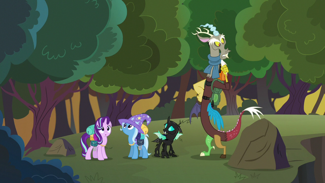File:Starlight and friends in new surroundings S6E25.png