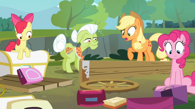 File:The Apples and Pinkie sees the damage S4E09.png
