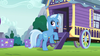 Trixie returning to her wagon S6E6