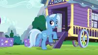 Trixie returning to her wagon S6E6