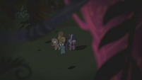 Twilight and friends surrounded by spooky trees S1E02