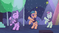 Backup dancers on the right moving their arms S5E24.png