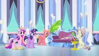 Crystal Ponies pampering Spike S4E24