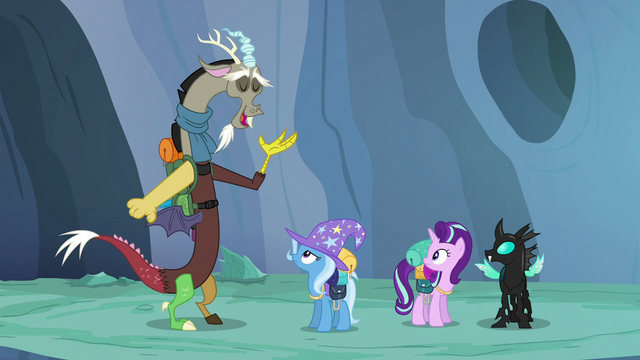 """File:Discord """"love to sit around chitchatting"""" S6E26.png"""