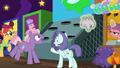 Earth stallion winning an arcade prize S6E20.png