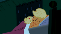 Applejack sleeping S02E12