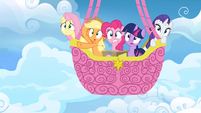 Main ponies in balloon afraid S3E07