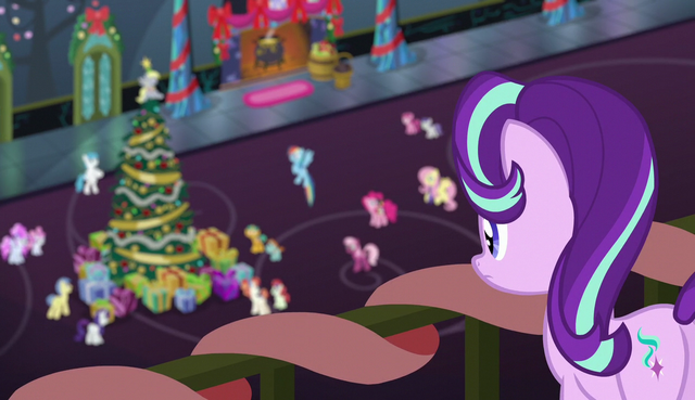 File:Starlight Glimmer observes ponies from the balcony S6E8.png