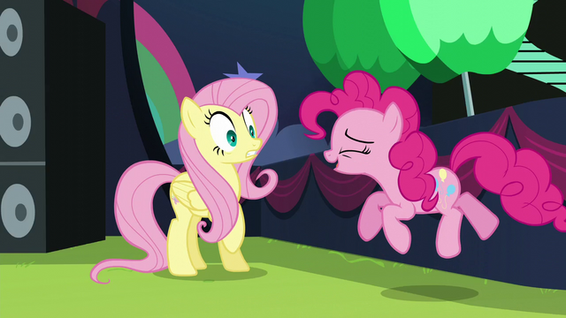 File:Pinkie startles Fluttershy S5E24.png