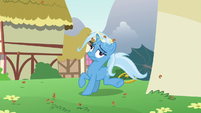 Trixie dizzy and covered in cinnamon nuts S7E2