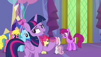 Twilight Sparkle sighing with relief S7E1