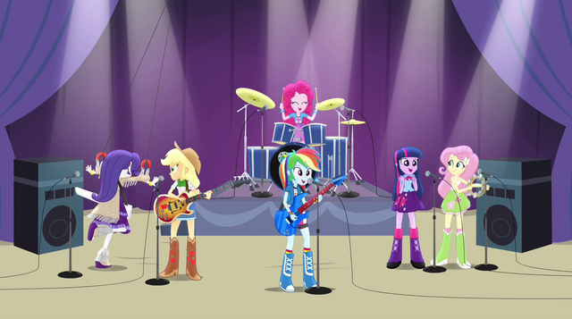 File:Rainbooms' performance starts to go downhill EG2.png