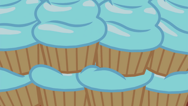 File:Stack of cupcakes with blue frosting EG4.png