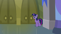 Twilight looks for Moon Dancer in the library S5E12