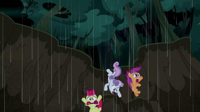 File:Cutie Mark Crusaders fall into a mudslide S5E6.png
