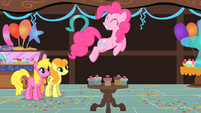 Pinkie Pie jumps over cupcakes S1E22