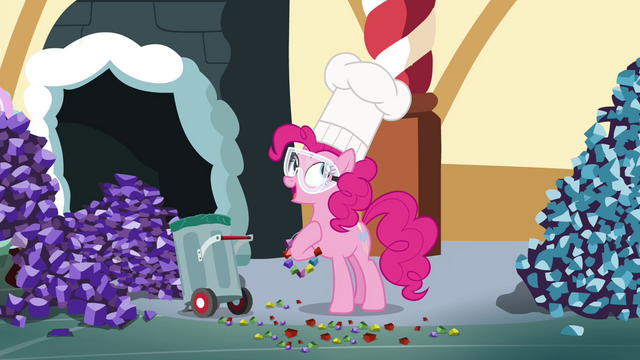 File:Pinkie Pie begins to tell her story S4E18.png