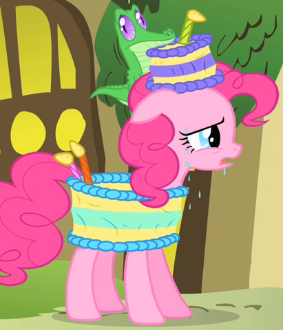 File:Pinkie Pie cake costume S1E25.png