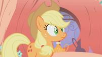 Applejack looks surprised S1E08