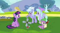 Cloudchaser asking Twilight about the machine S2E22