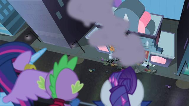 File:Maretropolis ponies running in terror S4E06.png