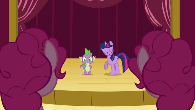 File:Twilight talking to the Pinkie clones S3E03.png