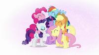 Mane Six group hug in Twilight's mind S7E2