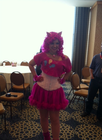 File:SDCC 2012 Pinkie Pie cosplay.png
