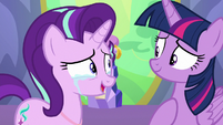 Starlight Glimmer tearfully thanking Twilight S7E1