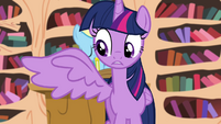 Twilight opens her right wing S4E21