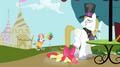 Apple Bloom falling near snobby stallion S2E17.png