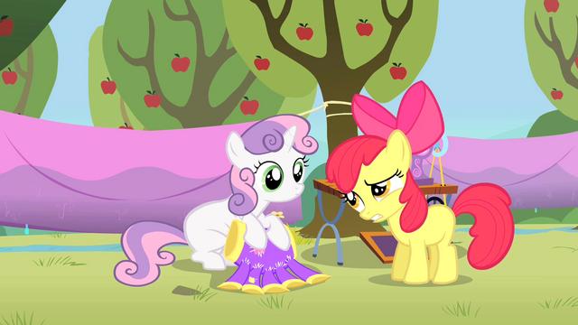 Archivo:Power Tools Sweetie Belle Apple Bloom.png