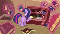 Twilight Sparkle levitating the books S2E03