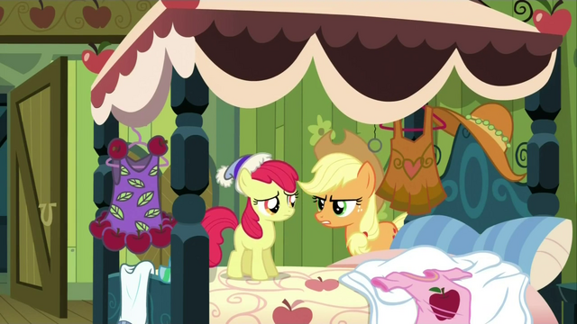 File:Applejack 'Your cousin isn't gonna care whatcha wearing' S3E4.png