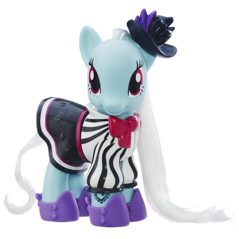 File:Explore Equestria Fashion Style Photo Finish doll.jpg