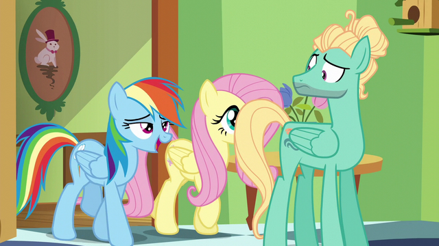 File:Rainbow Dash joins in the song S6E11.png