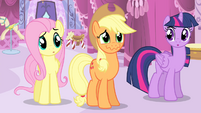 Applejack about to laugh S4E13