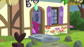 Berryshine goes back into her house S5E19.png
