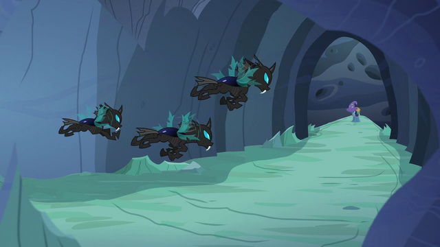 File:Changeling patrol closes in on Trixie S6E26.png