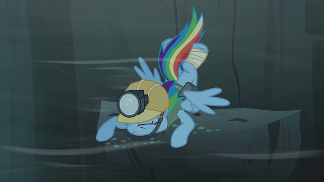 File:Rainbow Dash back on the ledge S5E8.png