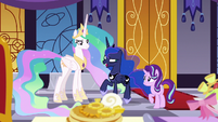 "Princess Luna ""fruit faces on pancakes"" S7E10"