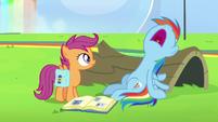 Rainbow Dash suddenly falls asleep S7E7