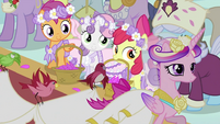 Princess Cadance walking S2E26