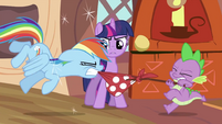Twilight stopping the fight S2E21