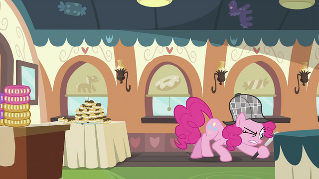 File:Pinkie Pie looking around 5 S2E24.png