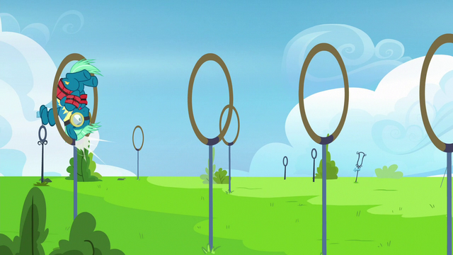 File:Sky Stinger bumps his head on obstacle ring S6E24.png