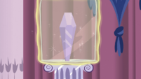 Crystal inside glass covering S3E1